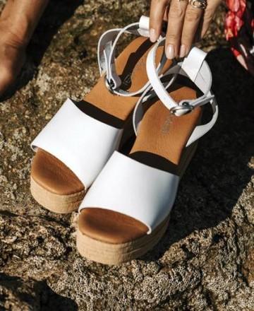 Catchalot Tambi Yondu sandals