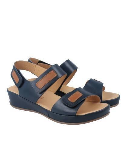 08dd3239b1 Sandalias para mujer en color azul marino Caracteristicas con cierre de velcro  cuna 4 cm zapato