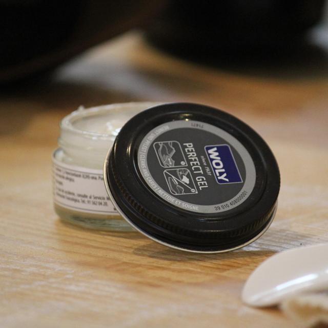 Crema limpiador de zapatos incolora Catchalot Woly Perfet Gel,  limpieza y mantenimiento de zapatos