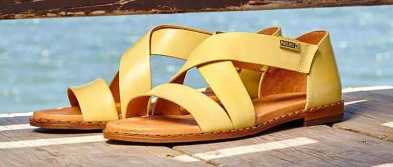 d6b9e91a34 Las claves fashionistas para combinar zapatos amarillos