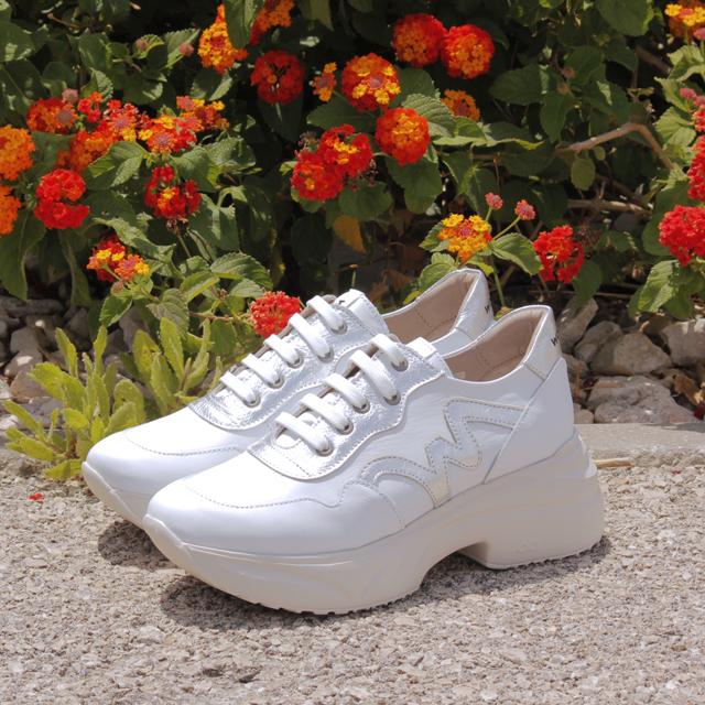 limpiar zapatillas blancas de piel