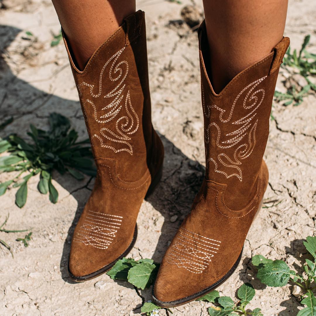 gran selección de tan barato entrega gratis Botas de cowboy de mujer: cómo combinarlas y qué modelos llevar