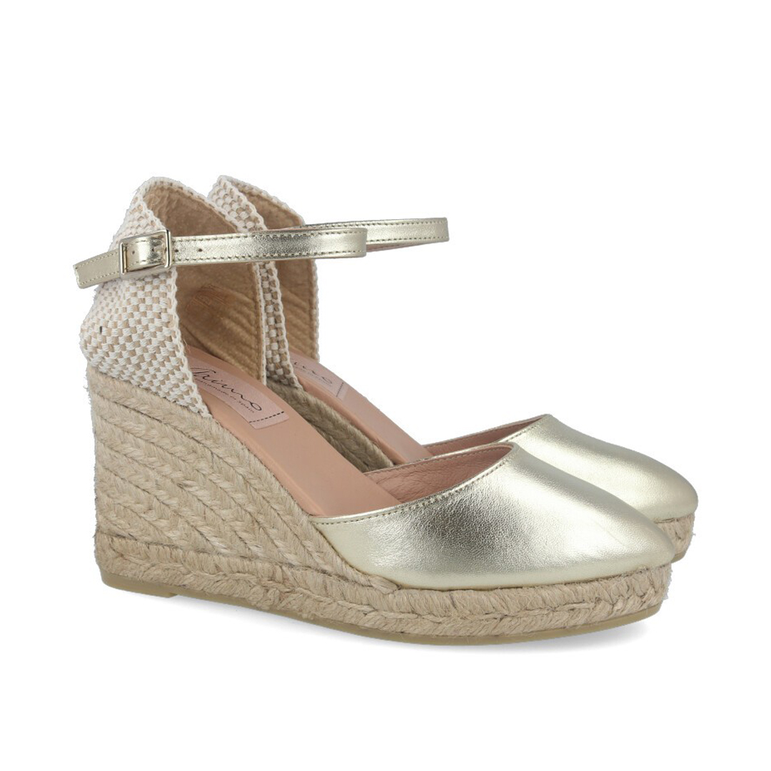 Moda en zapatos esta primavera 2020 mujer Gaimo Doradas