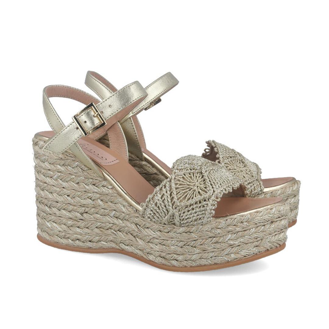 Moda en zapatos esta primavera 2020Gaimo Fali oro