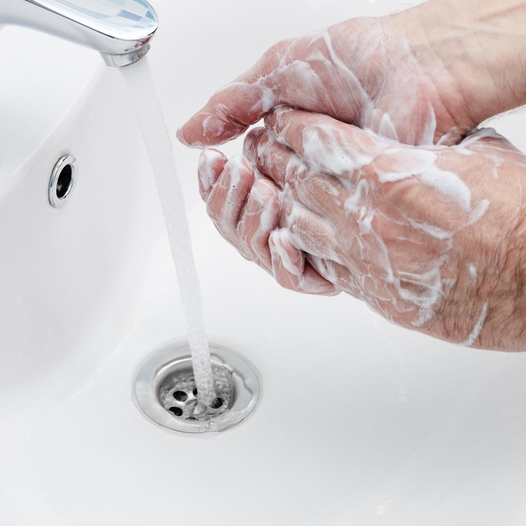 Lavarse las manos bien para prevenir el contagio por Coronavirus