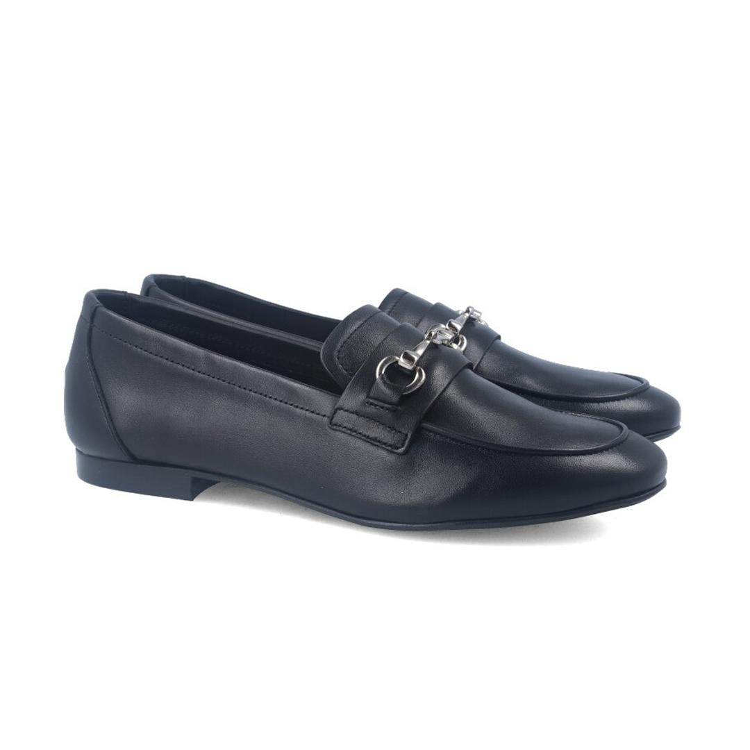 Moda en zapatos esta primavera 2020 mujer mocasines de piel Bryan Juno