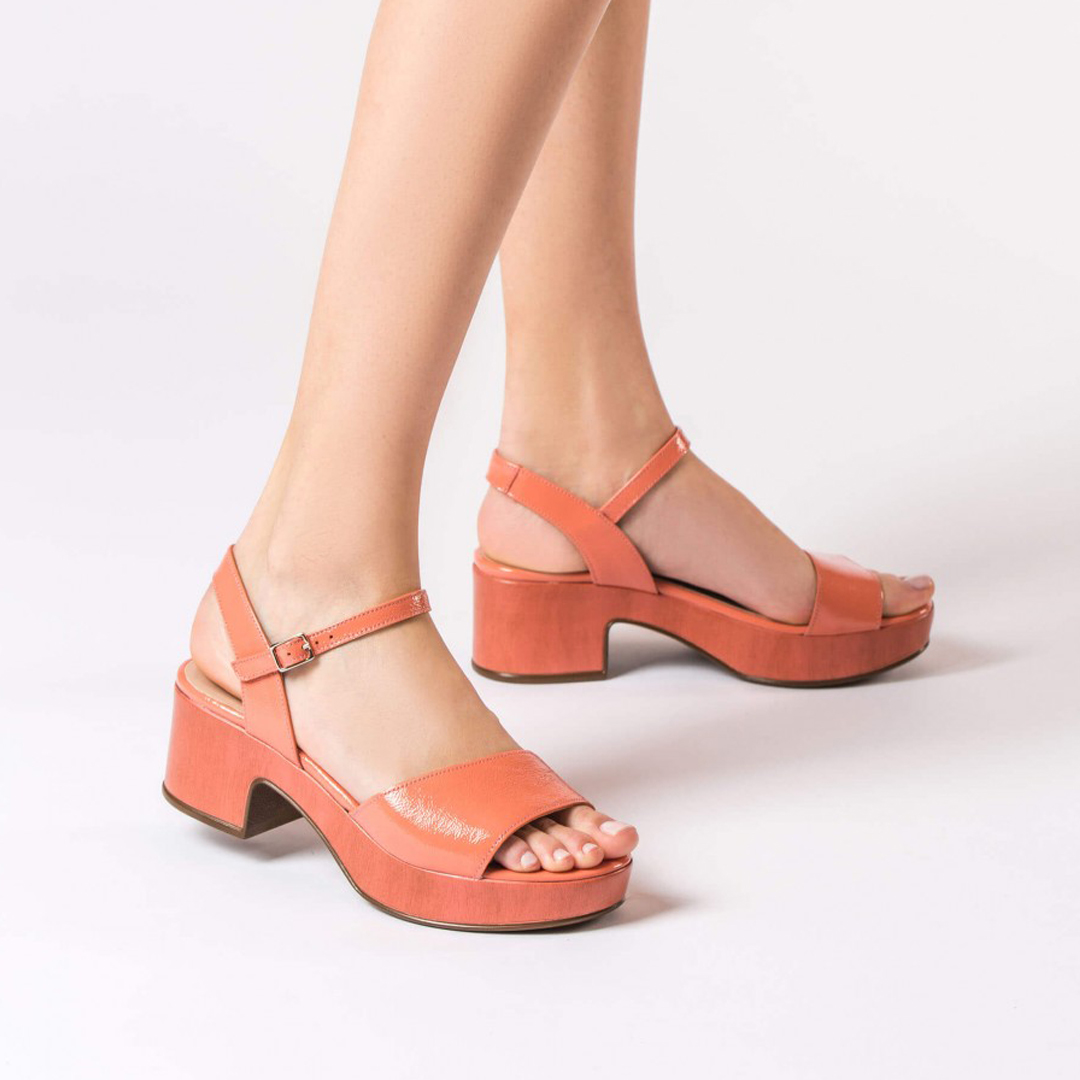 Zapatos de tacón de plataforma Wonders D-8802