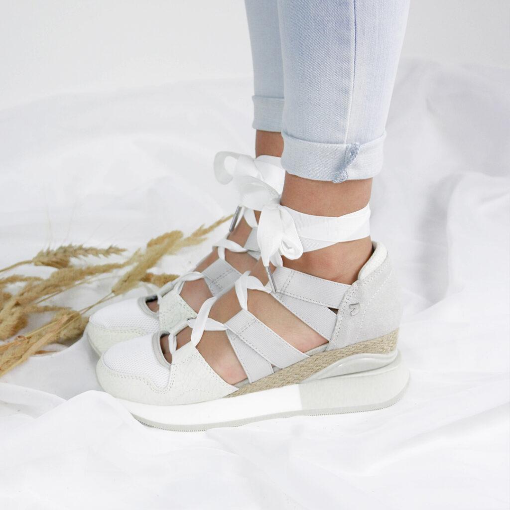 Blog zapatos Catchalot Cómo limpiar las zapatillas blancas de piel