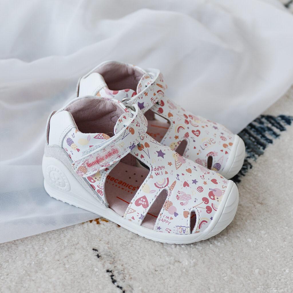 Sneaker tipo cangrejera Biomecanics 212107-B